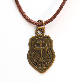 Кулон на шнурке - Крестик на щите под бронзу
